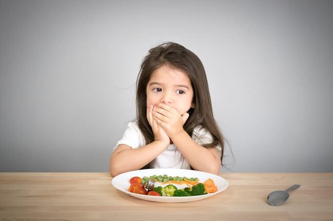 Trik Buat Anak Mau Mengonsumsi Sayur Berdasar Penelitian